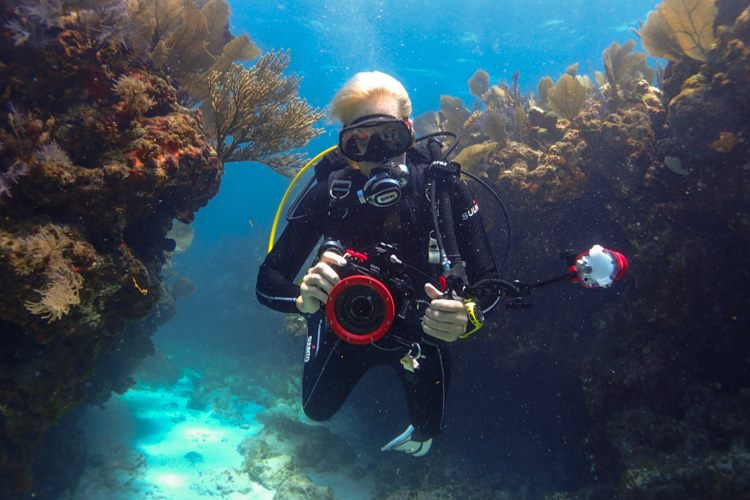 Diving with Olympus OM-D E-M5 Mark II Underwater Digital Camera